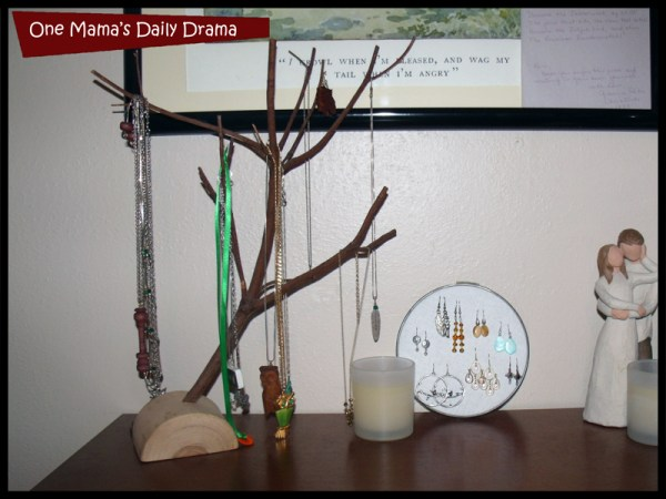 organizing idea: necklace tree