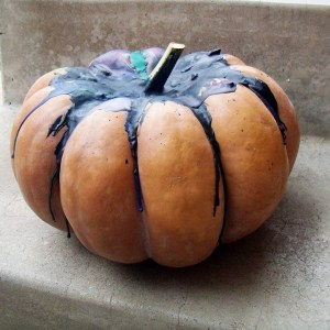 How to make a melted crayon pumpkin