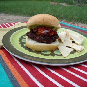 Texas burger recipe | One Mama's Daily Drama --- This hamburger has everything you love about Tex-Mex tacos. It's the perfect combination of spicy, salty, and summer grilling!