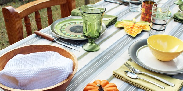 12 tips for hosting a big Thanksgiving meal