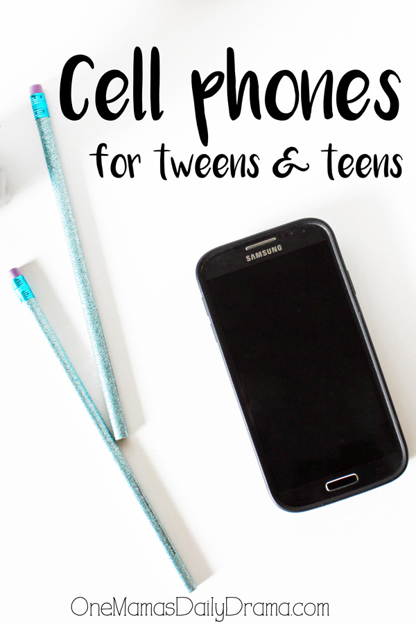 Cell phones for tweens & teens | Is your child asking for a smartphone? Here's one mom's experience with when to get a phone and how to know if your child is ready.