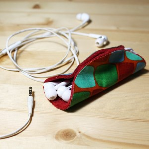 How to make a no-sew earbuds taco