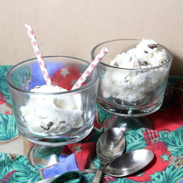 No-churn peppermint chocolate chip ice cream