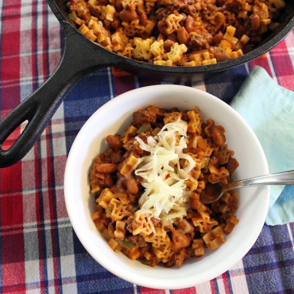 Cheesy Texas chili mac with Skinner pasta