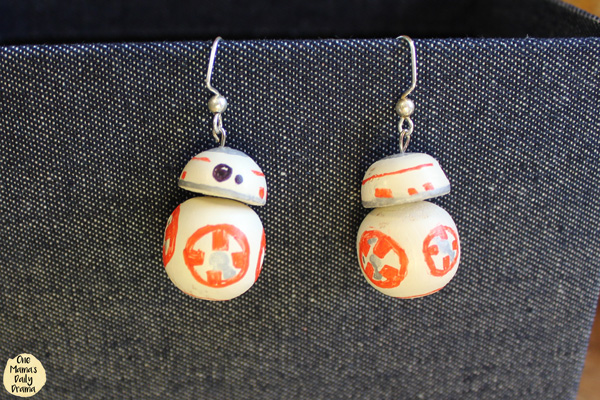 Star Wars BB-8 earrings close up