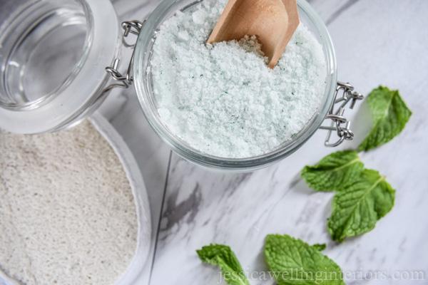 Handmade gift idea: green peppermint bath salts