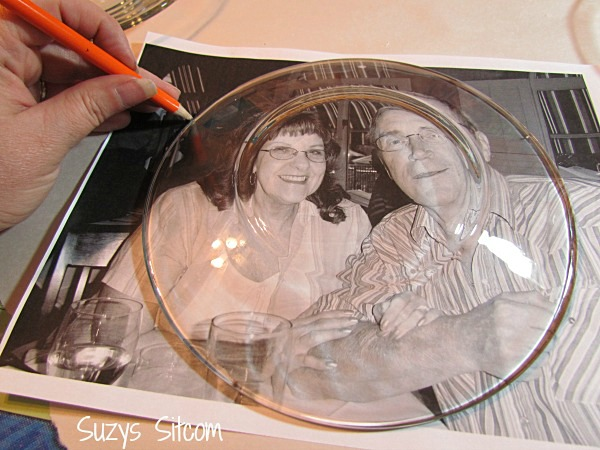 Personalized photo plates: tracing the photo