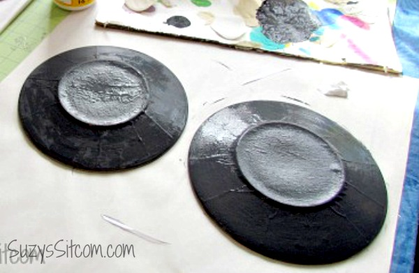 Personalized photo plates: coat the back in mod podge