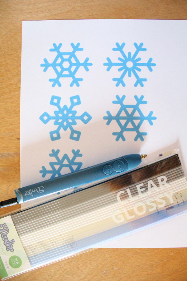 DiY snowflakes with the 3Doodler Create+ pen and supplies
