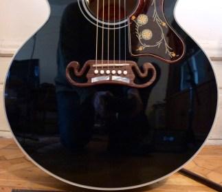 Gibson SJ-200 Ebony Limited bottom bout