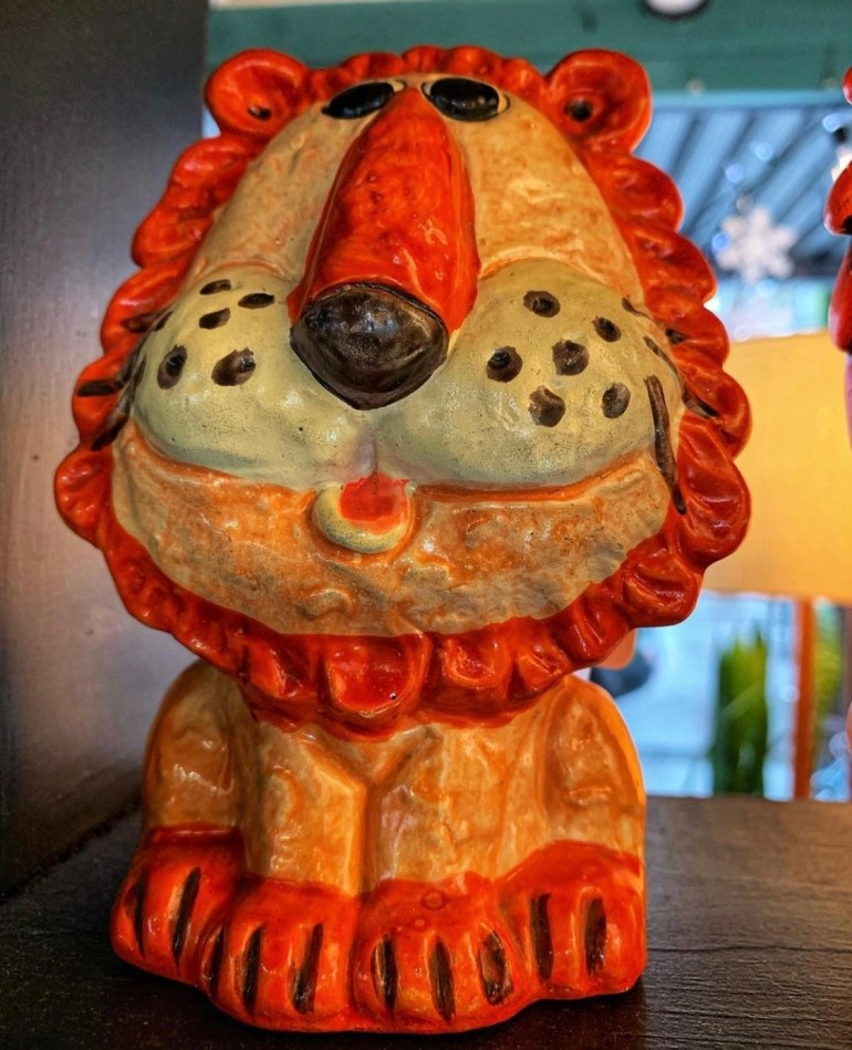 Orange Lion: An Afternoon of Antiques in Snohomish, Washington