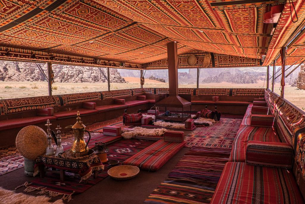 dormire nel Wadi Rum Arabian Nights Camp