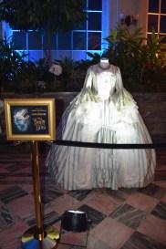 beauty-and-the-beast-exhibit-garderobe-costume-1