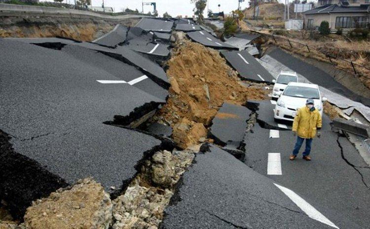 ΑΝΑΤΡΙΧΙΑΣΤΙΚΑ ΒΙΝΤΕΟ από τον σεισμό 8,2 Ρίχτερ που ταρακούνησε την Αλάσκα