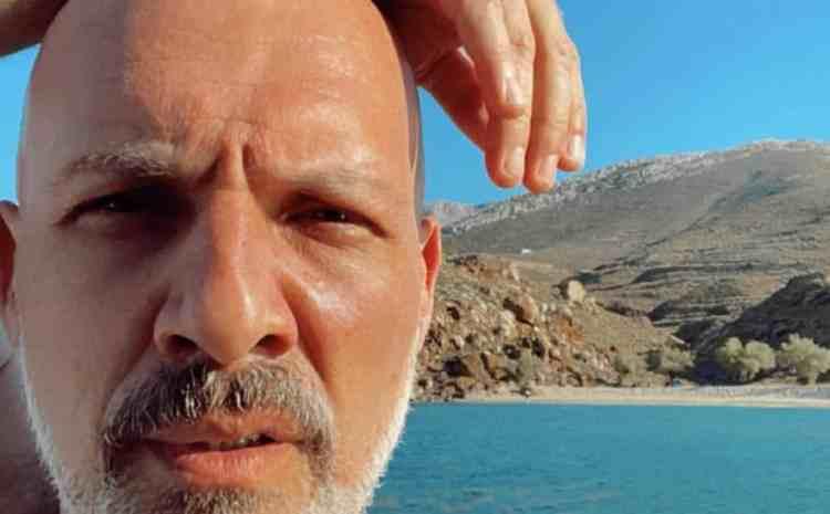 Ο «εξαφανισμένος» Νίκος Μουτσινάς μέσα σε καταρράκτη! Βρήκαμε που κάνει διακοπές…