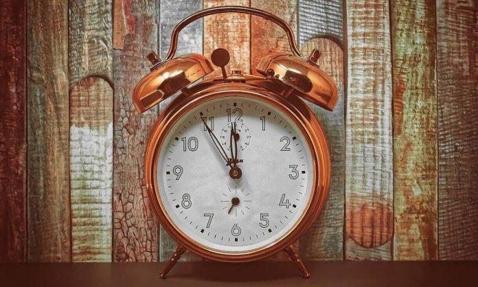 Αλλαγή ώρας 2021: Τελικά θα γυρίσουμε τα ρολόγια μία ώρα πίσω και πότε;