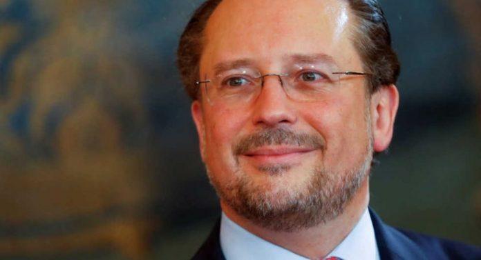 Αλεξάντερ Σάλενμπεργκ: Ποιος ο νέος καγκελάριος της Αυστρίας, σφοδρός πολέμιος του Ερντογάν. Έξαλλος