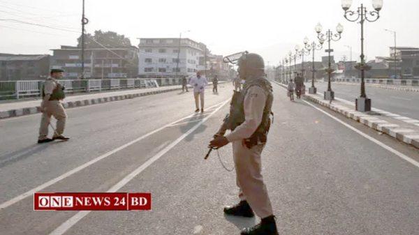 কাশ্মীরে তিনটি আলাদা স্থানে হামলার ঘটনায় ১ জন নিহত