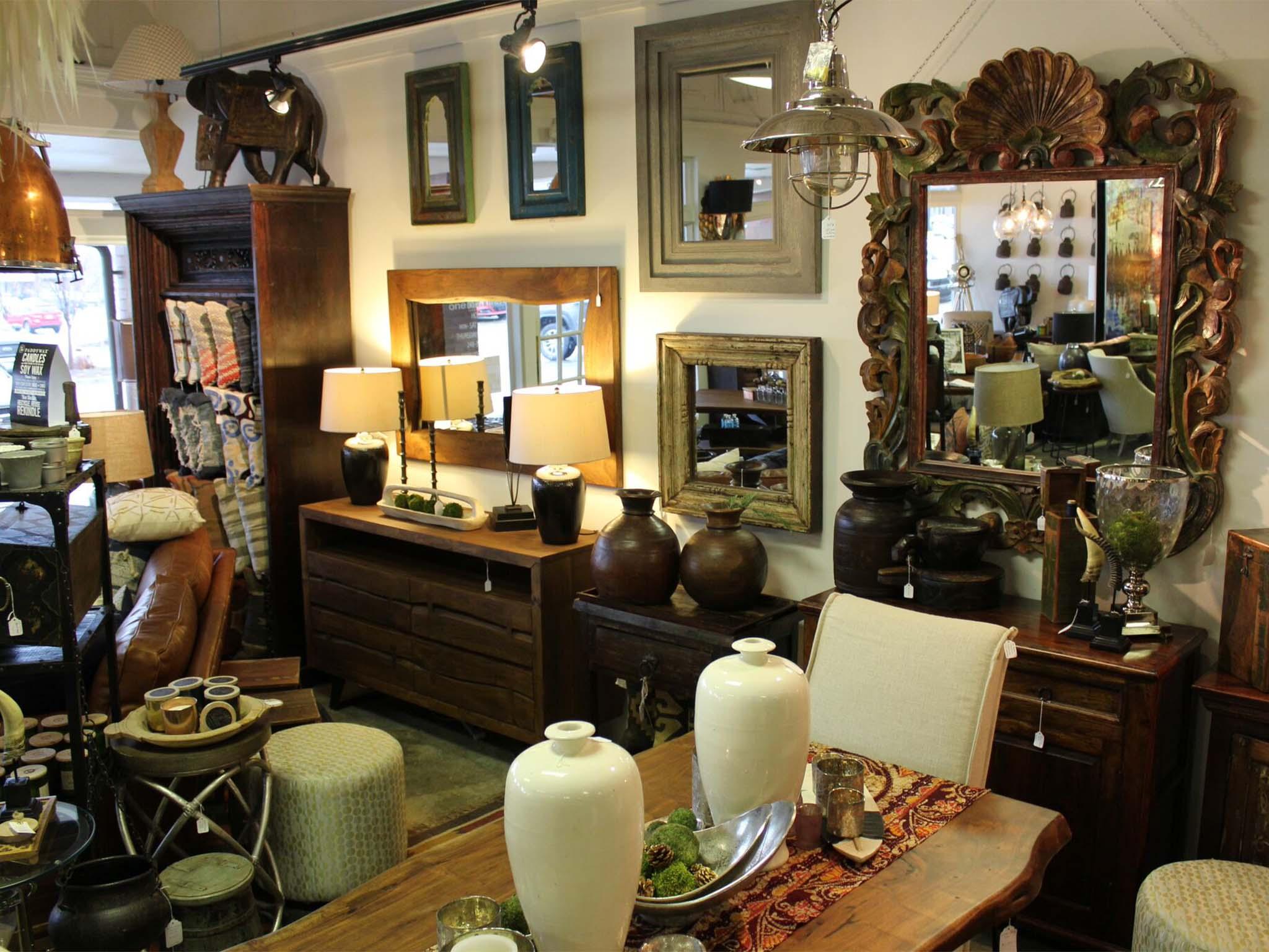 Novi Store interior