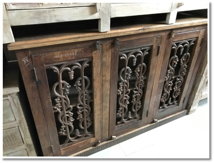 Iron Grate Console (014) Image