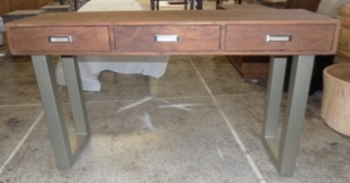 Three Drawer Desk (LAT-06) Image