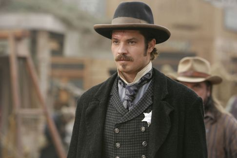 Seth-Bullock-deadwood-23412390-2560-1707
