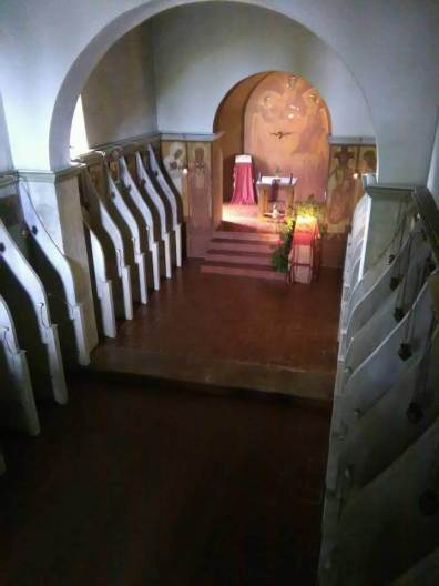 Sanctuary and nuns' choir stalls.