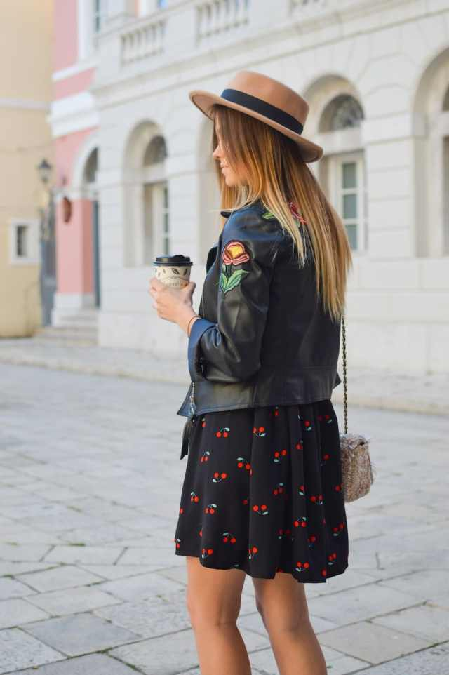 3 steps on how to be confident on a first date - Pck an outfit you feel confident in