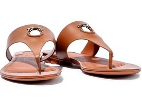 https://i0.wp.com/onepointofview.net/wp-content/uploads/Beach-outfit-Sandals.jpg?w=1080&ssl=1