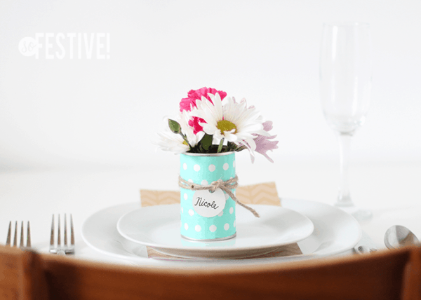cute-simple-flower-place-setting