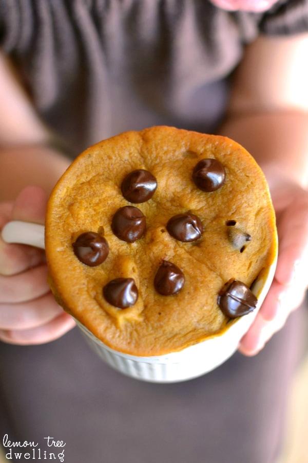 Pumpkin Chocolate Chip Mug Cake - ready in just 3 minutes!