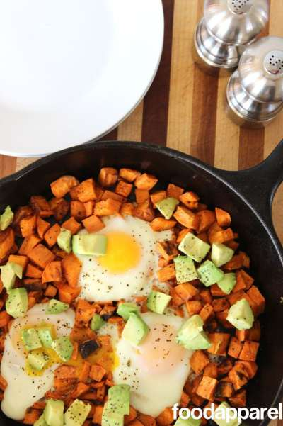 Sweet Potato Breakfast Skillet Recipe @foodapparel. Bring on the yum without the guilt!