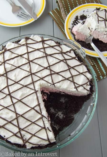 Berry Burst Oreo Pie - 5 ingredient no-bake Berry Burst Oreo Pie. So easy and delicious!