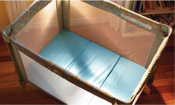 in-playard-BLUE-with-leg-600x360-slide-show