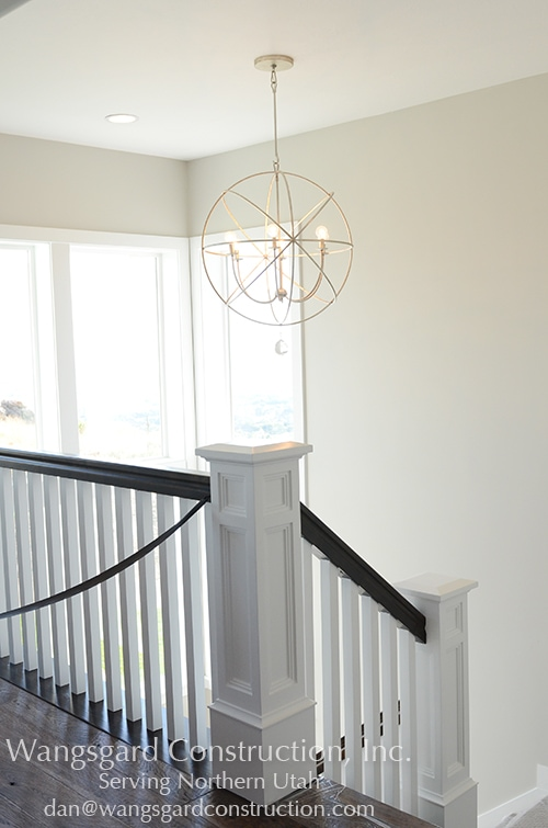 Such a beautiful rail! Lots and lots of finish carpentry ideas!