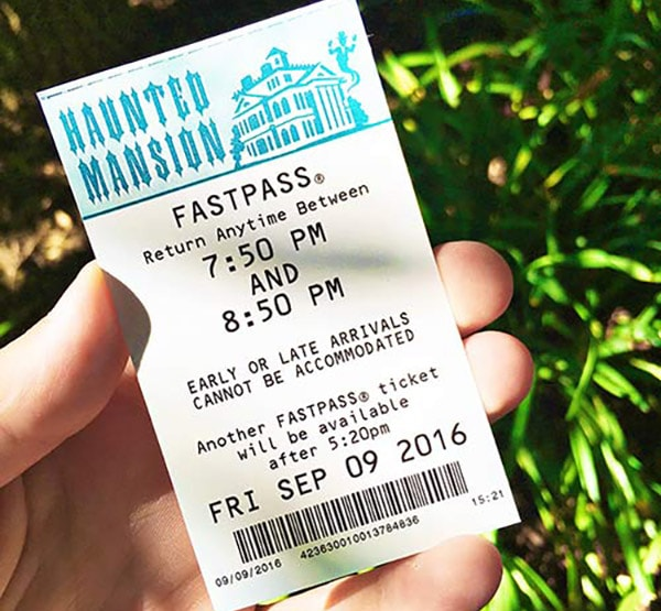disneyland-halloween-time-haunted-mansion-fastpass