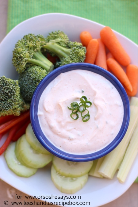 Whether it's on pizza night or you need to bring something for a potluck, a veggie tray with veggie dip is a quick and versatile side dish you can feel good about serving! Get this easy chive and garlic #veggiediprecipe on the blog today! www.orsoshesays.com #healthyrecipes #veggies #dip #veggietray #ldsblogger #family #familyrecipe #apps #appetizers #osssfeedthefamily #snacks
