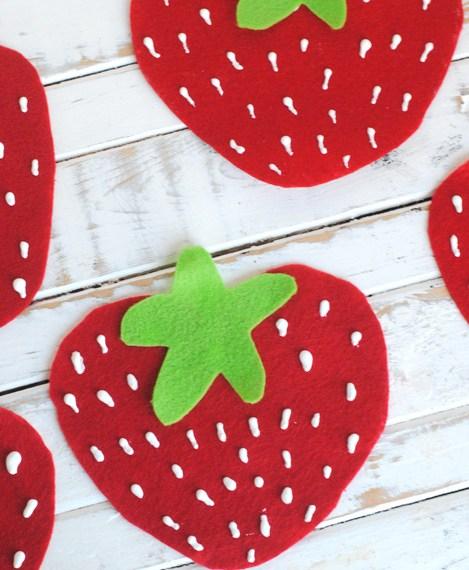 No sew felt strawberry bunting