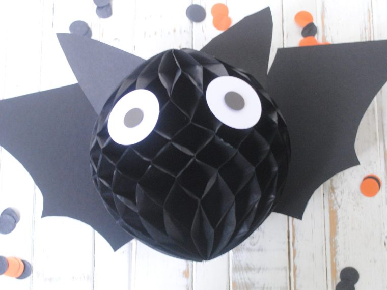 Easy Halloween bat decoration