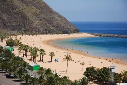 Os quilômetros de praias de areia brancas que desaparecem em. The Canary Islands Explained; Is Tenerife a Country? Is it