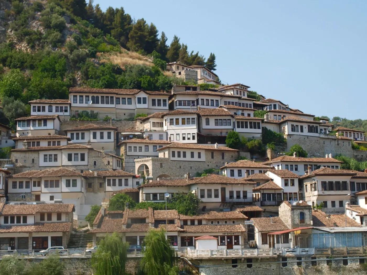 Resultado de imagem para berat albania