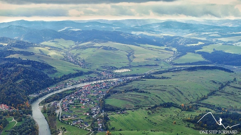 Trzy Korony - widok na Sromowce Niżne i Przełom Dunajca