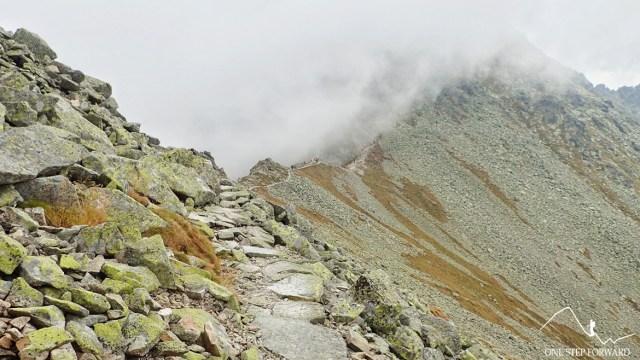 Czerwony szlak na Świnicką Przełęcz