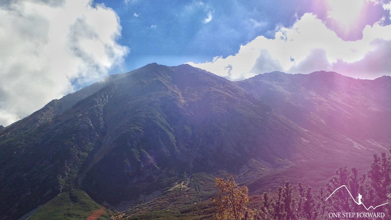 Dolina Pańszczycy - widok na masyw Woloszyna
