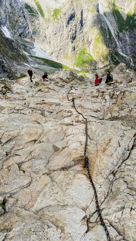 Łańcuchy w drodze na Rysy - wspinaczka grzędą