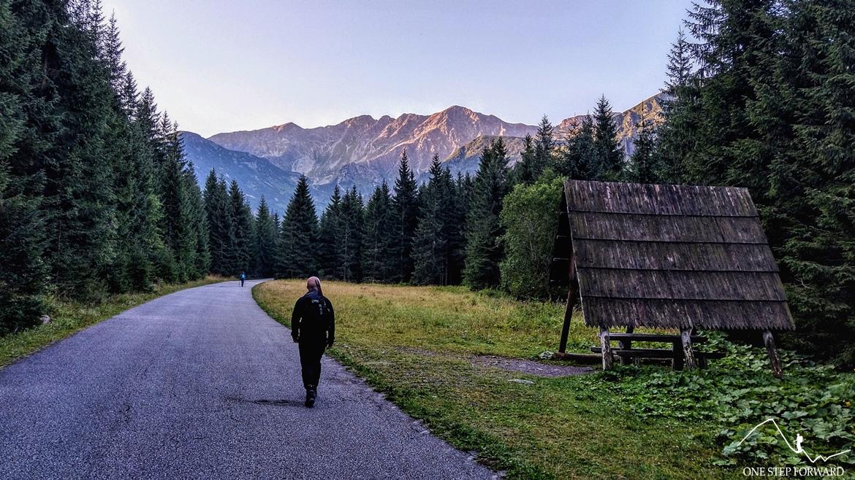 Asfaltowa droga do Tatliakowej chaty, Tatry Słowackie