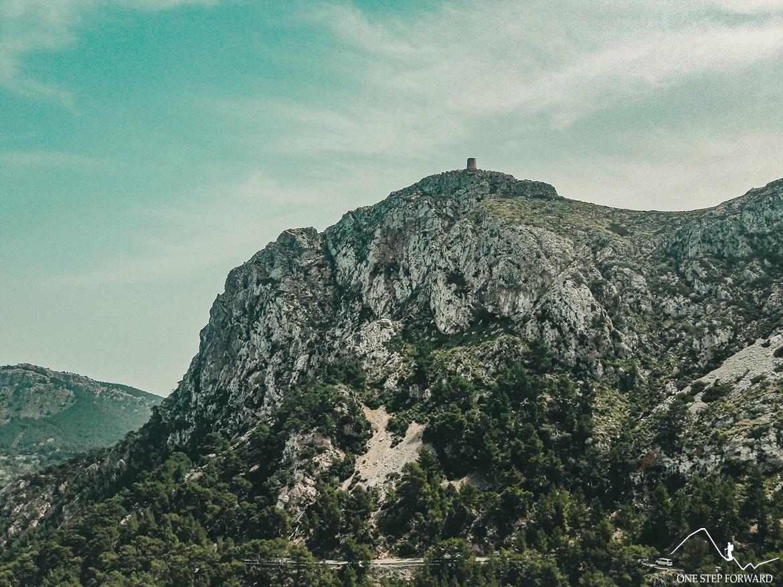 XVI – wieczna wieża Torre d'Albercutx - Cap de Formentor, Majorka