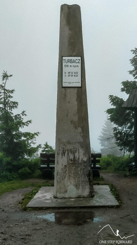 Turbacz - obelisk na szczycie