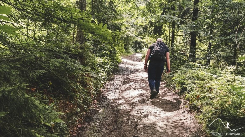 Początek szlaku na Mogielicę, Beskid Wyspowy