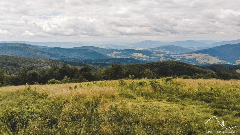 Widoki z Polany Wyśnikówka w Beskidzie Wyspowym